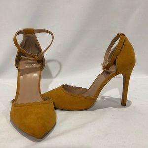 NWOT Mustard Suede High Heel Shoes